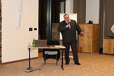 Předseda představenstva Jednota, spotřební družstvo ve Vsetíně Ladislav Macek rezignoval v úterý 20. února 2018 na funkci předsedy a člena představenstva.