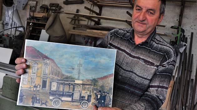 Kolář Augustin Krystyník z Nového Hrozenkova vyrábí repliku více než sto let starého historického trolejbusu Mercedes-electrique-Stoll Gmünd z roku 1907 pro město České Velenice