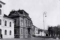 Nová radnice, sídlo Masarykovy knihovny v letech 1921-1932.