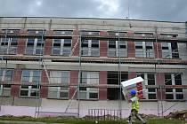 Základní škola v ulici Žerotínova ve Valašském Meziříčí prochází rozsáhlou obnovou.