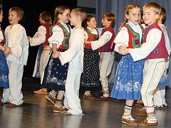 Děti z Malé Jasénky navazují na odkaz zakladatele souboru Jasénka Zdeňka Kašpara.