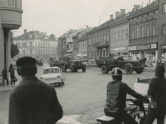 Stejně jako v celém tehdejším Československu, také na Valašsku lidé zpočátku nevěděli, co se děje. Přitom okupační vojska byla připravena na hranicích republiky už od května.