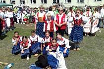 Folklorní soubor Valašenka.