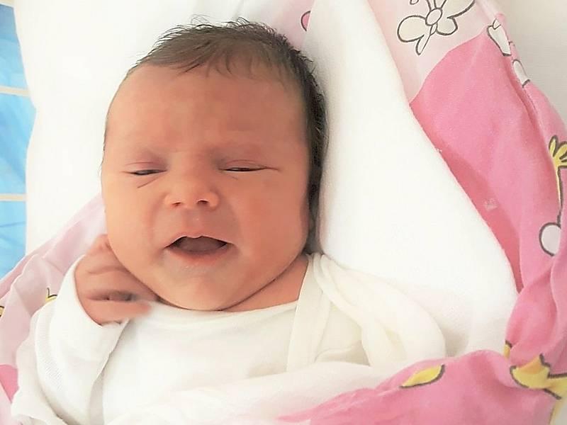 Natálie Sloveňáková, Bělotín, narozena 26. března 2021 ve Valašském Meziříčí, váha 3070 g