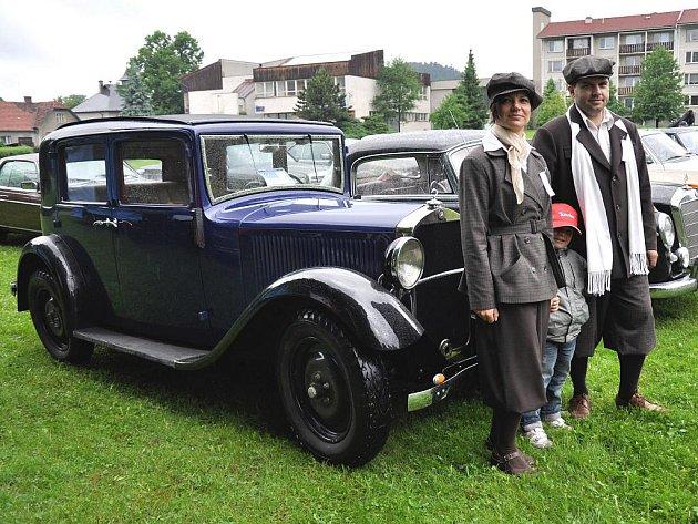 Historické vozy vyrazí v sobotu ze Vsetíns a Rožnova pod Radhoštěm do Velkých Karlovic. Ilustrační foto