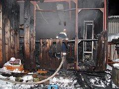 Požár chatky v Rožnově pod Radhoštěm.