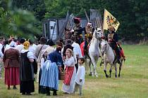 Na 130 účinkujících se v sobotu 13. července 2019 představilo stovkám diváků v bitevní ukázce z dob Marie Terezie na 10. portášských slavnostech ve Valašské Bystřici.