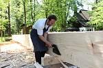 Opravy nejstarší roubené stavby v České republice stodoly ze Skaličky u Hranic na Moravě