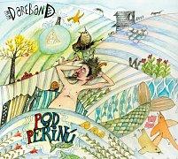 Obal nového CD Pod peřinú, které v prosinci 2017 vydává vsetínská kapela Dareband.