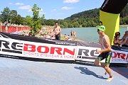Osmý ročník triatlonového závodu Valachy Man 2018 se uskutečnil v pátek 3. srpna v Novém Hrozenkově u vodní nádrže Balaton. Na snímcích start hlavního závodu.