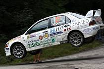 Posádka Dohnal - Blažek na trati prachatické rally.