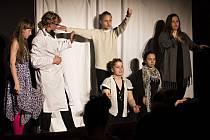Divadelní soubor My…! z Rožnova pod Radhoštěm na přehlídce Malé jevištní formy 2017.