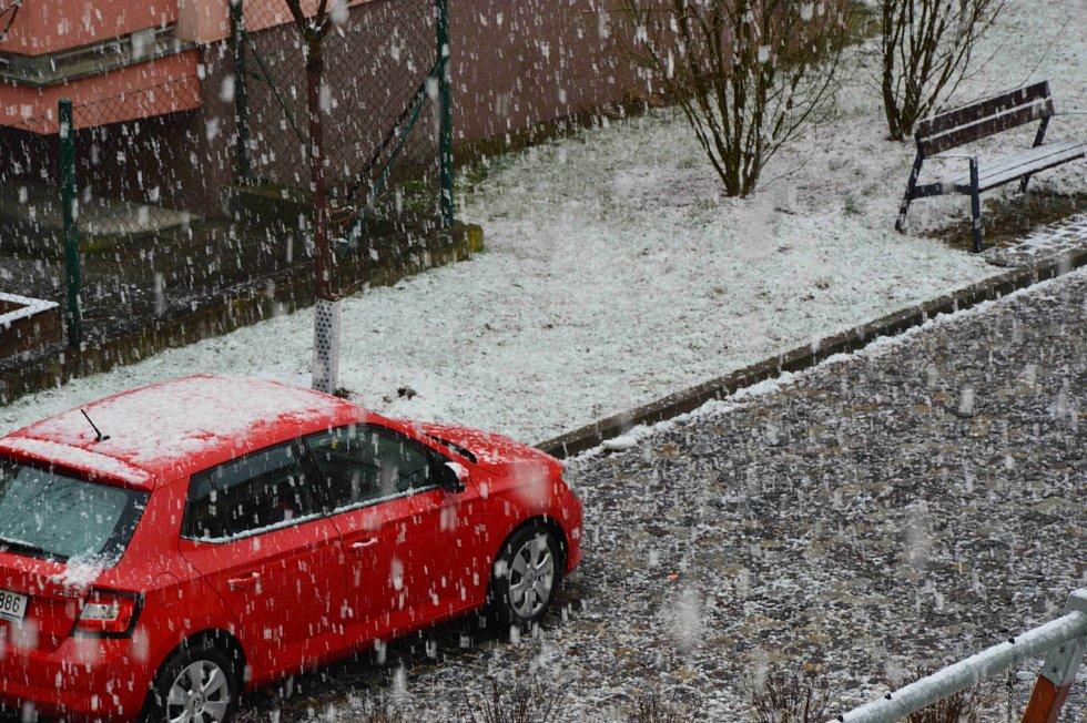 Aprílové počasí v půli dubna moc netěší