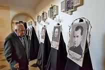 """Zahájení výstavy """"A kdo Vás zabije…"""" v Horní Bečvě, věnované  kněžím pronásledovaným za nacismu. Jedním z nich je také místní rodák generál Metoděj Kubáň."""