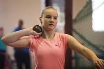 Mladá atletka Lucie Mišunová na závodech v Olomouci.