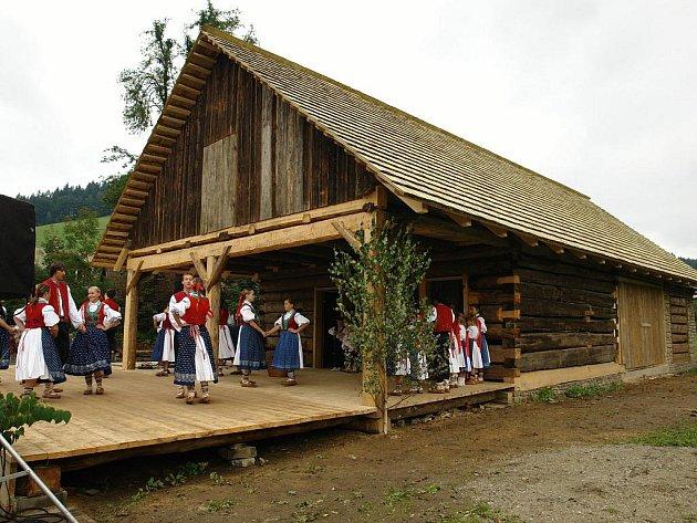 Stodola poslouží k pořádání kulturních akcí karlovského muzea i Informačního centra.