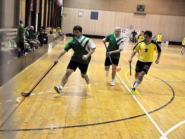 Ve vsetínské sportovní hale Na Lapači se ve středu 29. prosince konal první ročník vánočního florbalového turnaje Pohoda Cup