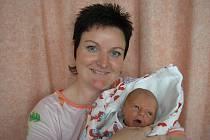 Kateřina Kysučanová a syn Patrik Kysučan, 51 cm, 3050 g, narozen 19 . 6. 2010