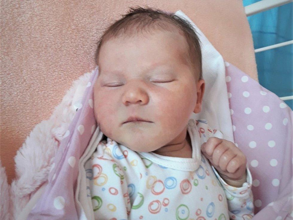 Justýna Plesníková, Hranice, narozena 10. května 2021 ve Valašském Meziříčí, míra 52 cm, váha 3550 g