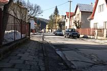 Radní ve Vsetíně chystají v létě rekonstrukci ulice Pod Žamboškou.