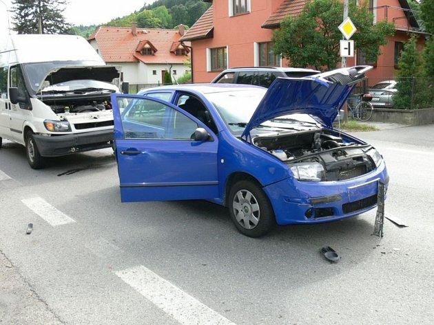 Řetězová dopravní nehoda ve Vsetíně.
