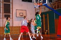 Valašské basketbalové derby Jameson Boys (šedé dresy) - Jasenice B.