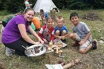 Skautské letní tábory pořádané vsetínským střediskem Junák - český skaut se hygienických kontrol neobávají.