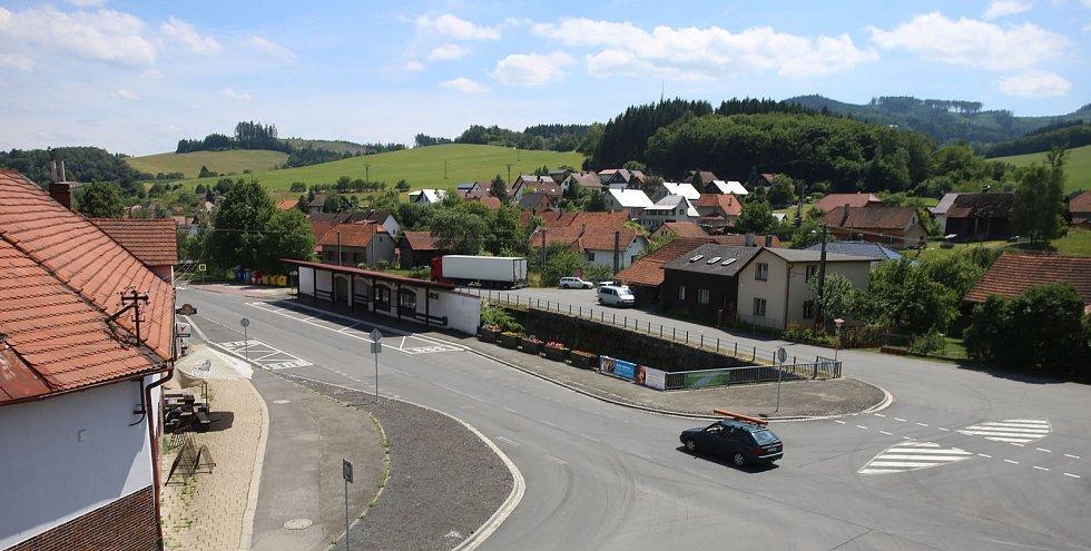 obec Ratiboř - Náves