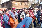 Tradiční rožnovský masopust hýřil barvami, vůněmi i zvučným zpěvem muzikantů.