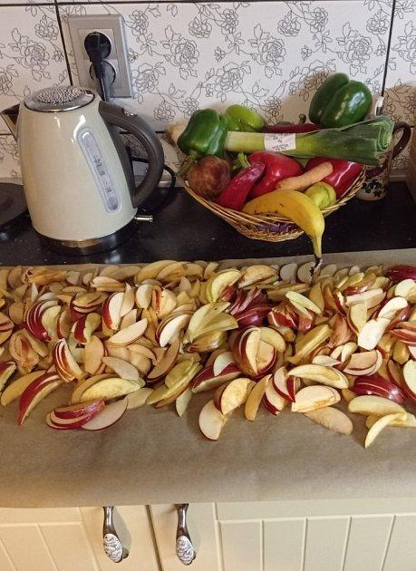 Ovoce izeleninu lze zpracovávat různými způsoby.