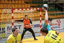 Házenkáři Zubří ve čtvrtfinále Evropského poháru proti Gorenje Velenje. Na snímku Šimon Mizera