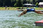Jubilejní desátý ročník Valachy Man přilákal k vodní nádrži Na Stanoch vNovém Hrozenkově 700 sportovců a ktomu 280 dětí.