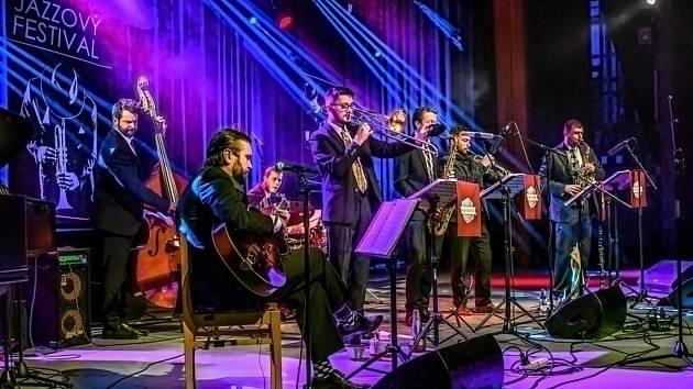 Kapela Heart of Dixie vystupuje na Vsetínském jazzovém festivalu v Domě kultury ve Vsetíně; sobota 16. října 2021