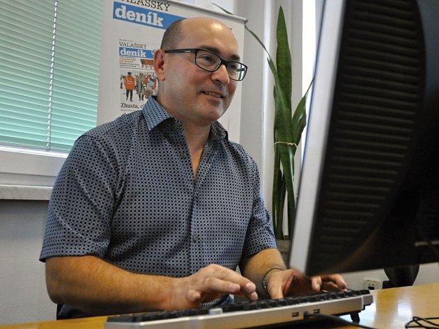 Primář ARO Vsetínské nemocnice MUDr. Milan Doležel odpovídá v online rozhovoru na dotazy čtenářů Deníku; čtvrtek 15. září 2016