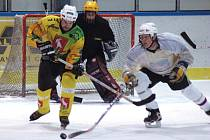 Pohár bobra amatérských hokejistů ve Valašském Meziříčí.
