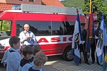 Sbor dobrovolných hasičů ve Střelné získal nové vozidlo Ford Tranzit.