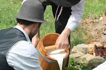 Syrovátkové a klimatické lázně těží ze zkušeností tradiční lidové léčby žinčicí a syrovátkou a zároveň využívají současné nejnovější poznatky biochemie lidského organismu. Ilustrační foto.