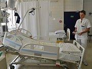 Jednotka intenzivní péče ve vsetínské nemocnici. Ilustrační foto.