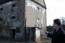 Bývalá sýpka v Kelči patří mezi nejvíce ohrožené památky v zemi.