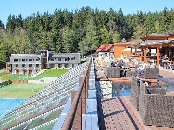 Letní terasa hotelu Horal