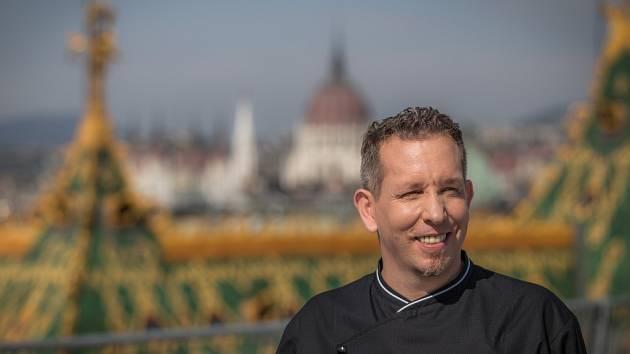 Michelinský šéfkuchař Ákos Sárközi.