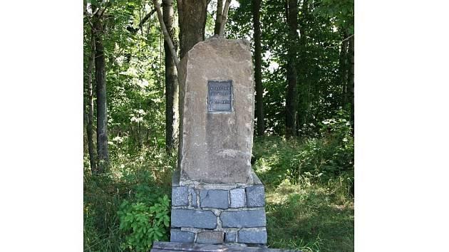 Pomník kelečského pokladu na Strážném.