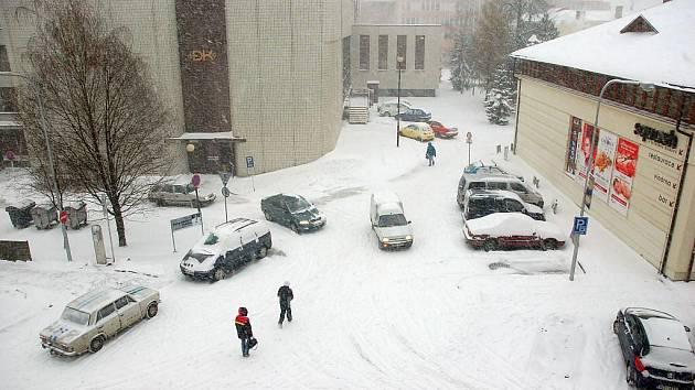 Silné sněžení zasáhlo dorazilo na Valašsko ve středu odpoledne 1. prosince.