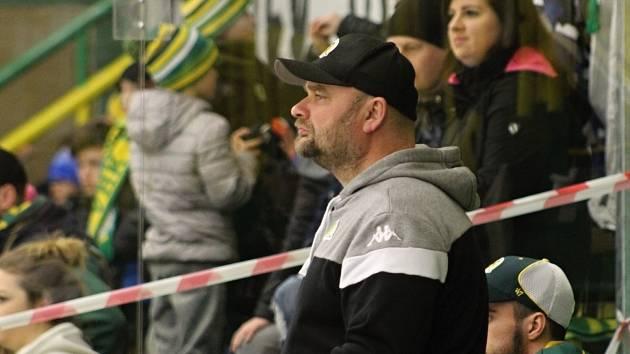 Trenér Vsetína Luboš Jenáček.