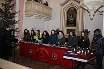 Sbor Zvonky Dobré zprávy v ratibořském kostele. Ilustrační foto.