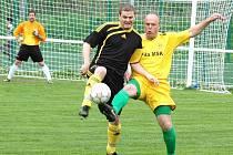 Zápas krajského přeboru Velké Karlovice (žluté dresy) – Kateřinice rozhodla jediná branka. Hosté si odvezli za vítězství 1:0 tři body.