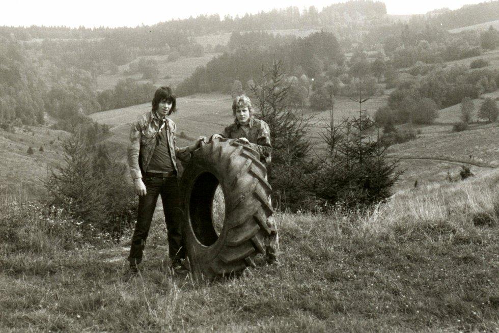 Jaromír Navrátil je dobrovolným strážcem CHKO Beskydy. Pulčínské skály mu učarovaly už v dětství. Je i okolí chrání už přes čtyřicet let. První velký úklid uspořádal v 19 letech. Našli i pneumatiku od traktoru.