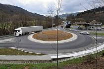 Valašská Polanka - nová okružní křižovatka na výjezdu z Valašské Polanky směrem na Horní Lideč a Valašské Klobouky, kde se na hlavní silnici I/57 napojuje silnice I/49 vedoucí na Vizovice a Zlín.