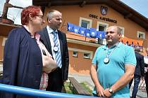 Hodnotitelská komise soutěže Evropská cena obnovy vesnice zavítala v pondělí 13. června 2016 do Kateřinic na Vsetínsku. Obec Kateřinice vyhrála v roce 2014 celorepublikovou soutěž Vesnice roku.