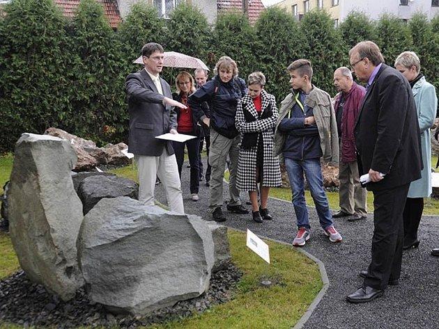 f4397321186 Valašskomeziříčská hvězdárna vítá svoje návštěvníky novou venkovní i vnitřní  expozicí. ...